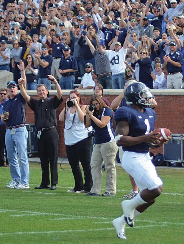 Georgia Southern quarterback Jerick McKinnon finishes up his 57-yard touchdown run in the Eagles' 24-16 win Saturday. McKinnon rushed for 316 yards on the afternoon.